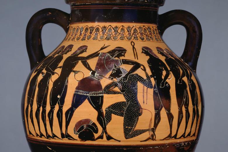 Theseus and Minotaur on an Amphora, Greece 550–530BC