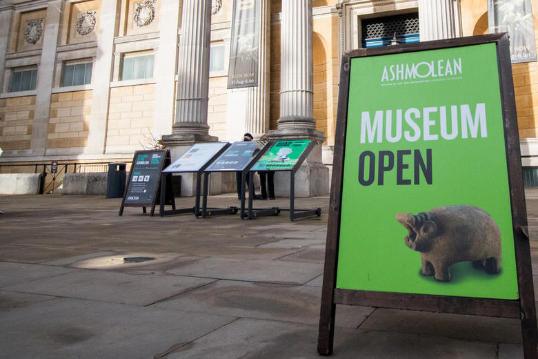 A photo of the forecourt of the Ashmolean Museum.