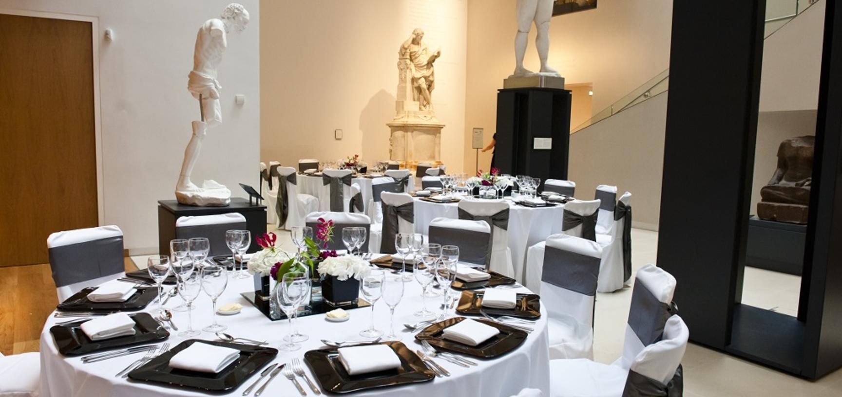 Round tables in the Atrium