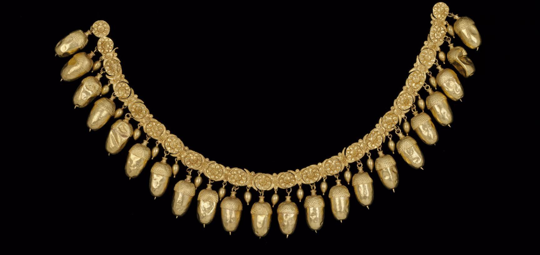 Gold necklace of acorns, lotuses and rosettes, Greek, 5th century BC