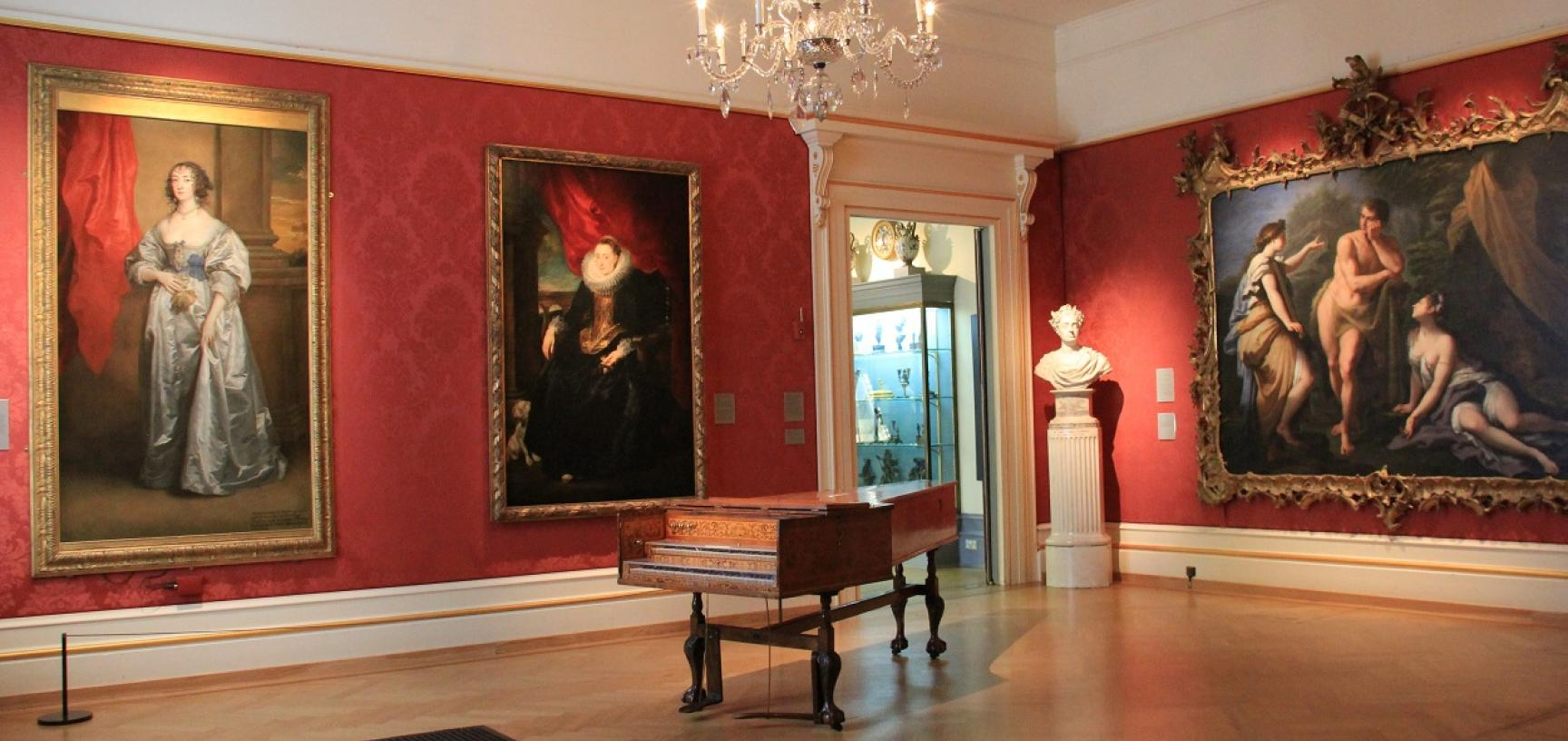 Ashmolean Venue Hire – Harpsichord in the Mallett Gallery