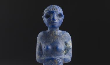 Lapis lazuli figure of a woman, Egypt, c. 3300-3000 at the Ashmolean