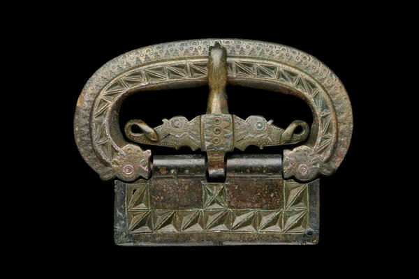 Clickable image of a buckle from Roman to Anglo-Saxon times, online talk