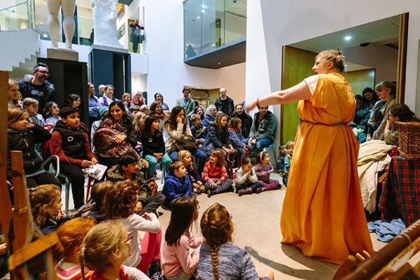 demo in atrium rememberingtheromans iwphotographic 190