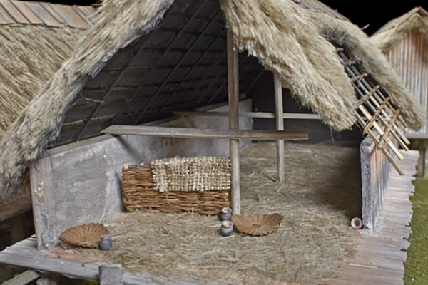 neolithic_lake_village_model_basketry_and_pots