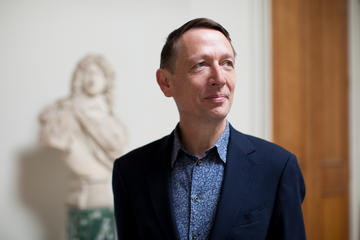Portrait of Ashmolean Director Dr Xa Sturgis 2020
